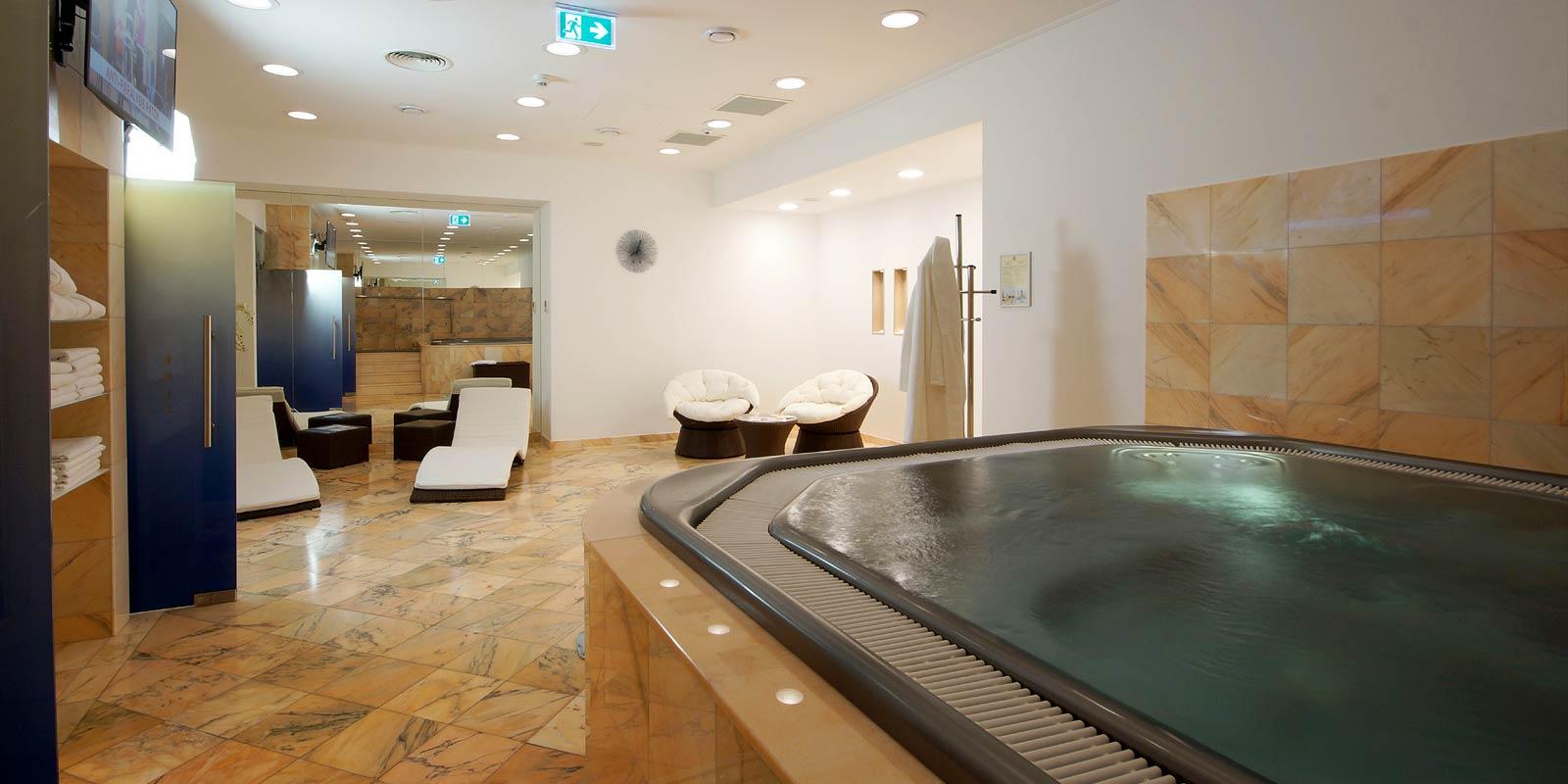 Hotelové wellness v hotelu Savoy v Praze