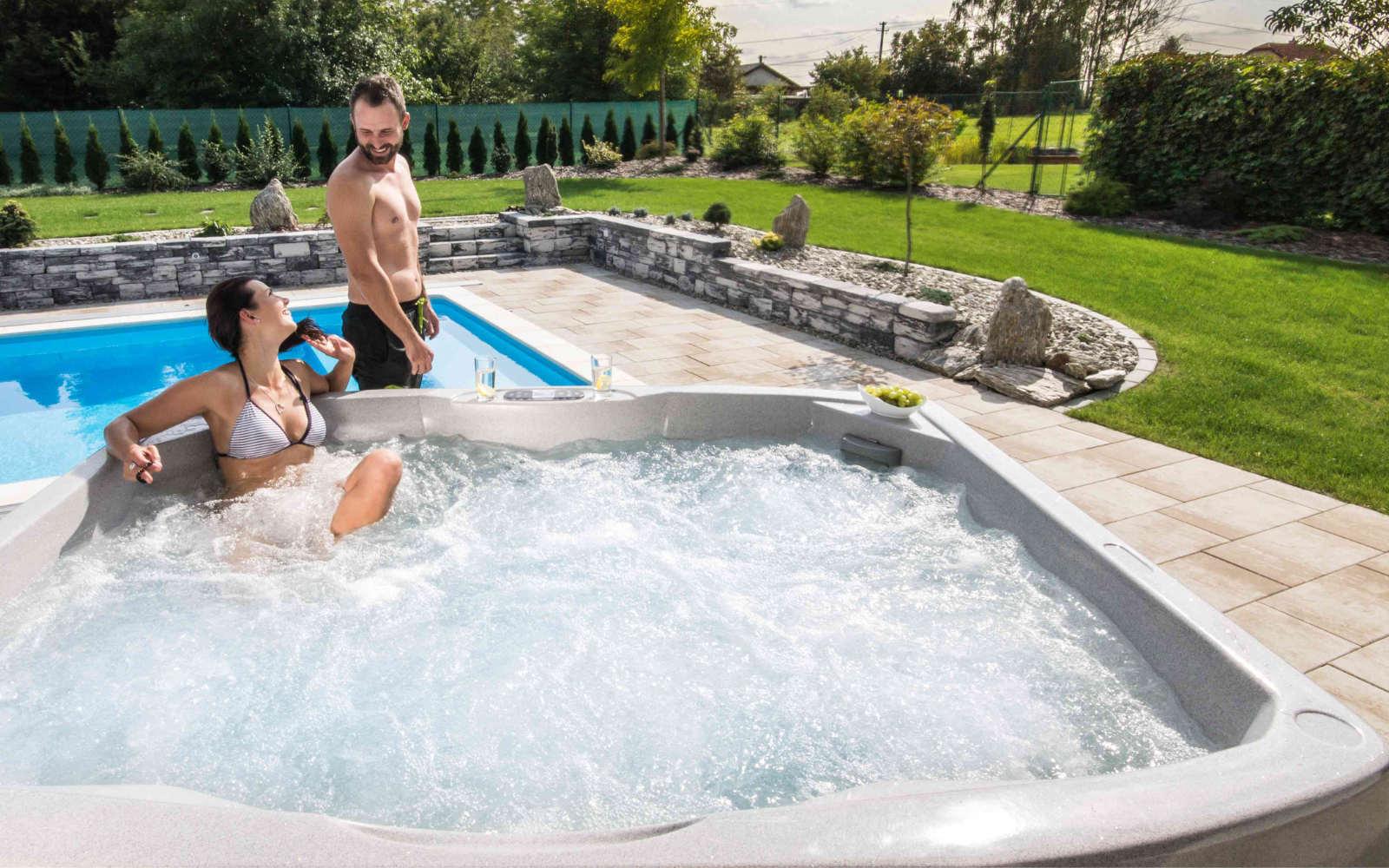 Užívejte si relax ve vířivkách Caretta Spa